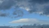 Незвичайні круги в небі здивували жителів Латвії