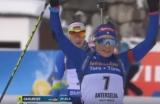 Біатлоністка Домрачева наступила на палицю суперниці перед фінішем і не обігнала
