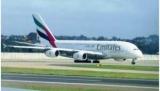 В Уганді член екіпажу Emirates випав з літака